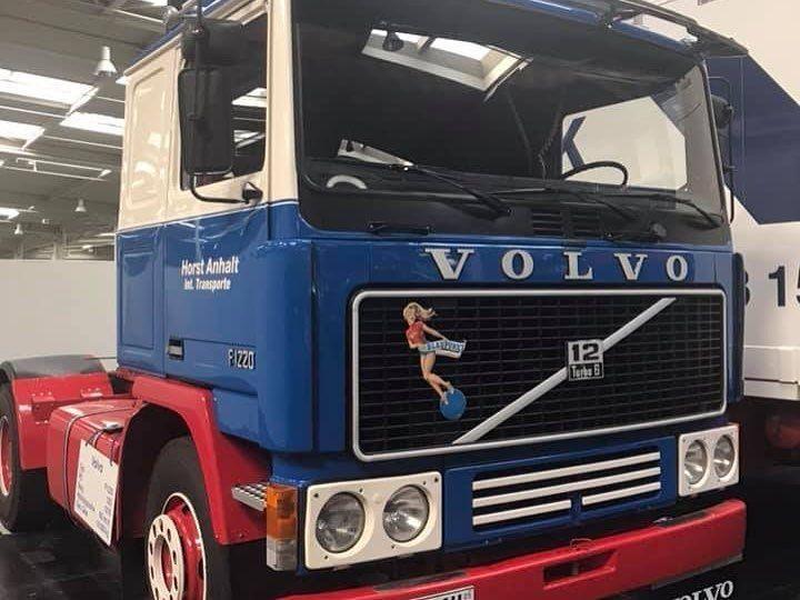 422 Me Gusta 3 Comentarios Volvo Trucks España Volvotrucksespana En Instagram Tenemos Debilidad Por Los Camiones Decorados In 2020 Volvo Trucks Volvo Trucks