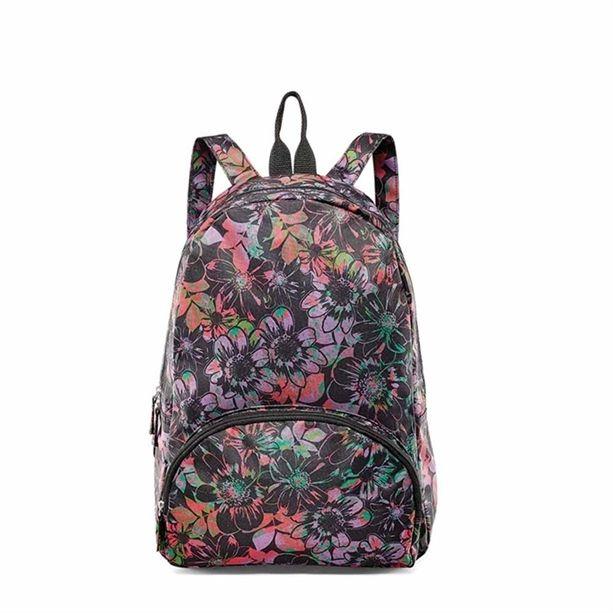 Mondj igent a sétákra ezzel a tágas, nőies, trendi, virágmintás hátizsákkal! Belefér akár egy 17 colos laptop is.