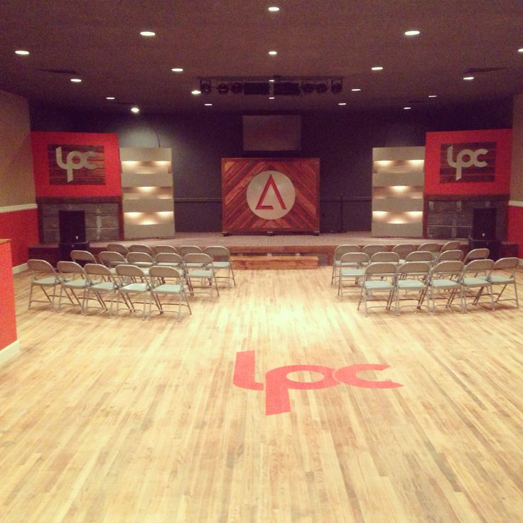 new stage design at lifepoint church in lpcelevate