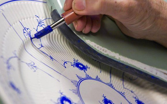 Royal Copenhagen, hand painting technique.