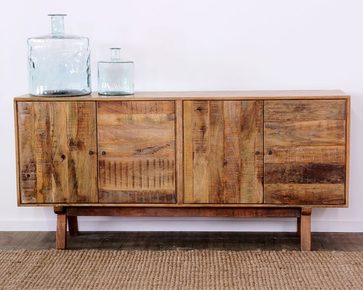 Rich in colour and texture, the Scando range has been put together with 100% sustainable mango wood.