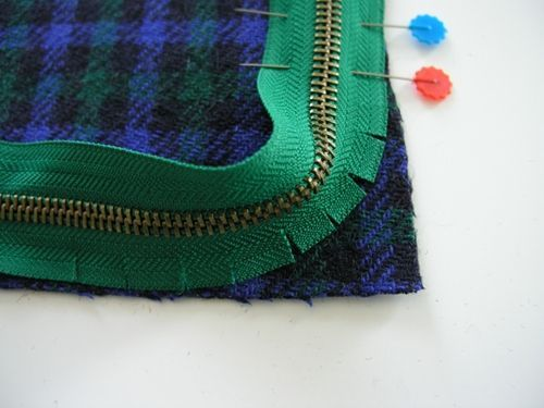How to sew a zipper around a corner.