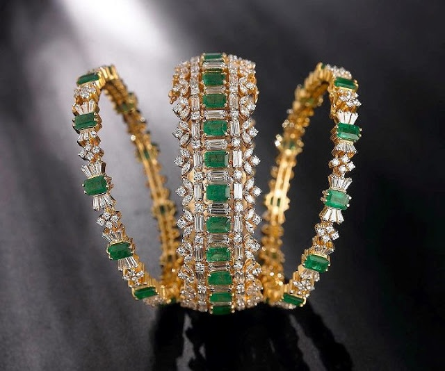 Pretty emerald and gold stackable rings.
