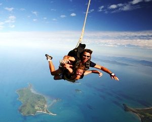 Feel like testing your mettle? Why not test it from #10,000ft when you go to #Brisbane ? You won't be disappointed! For more details visit us herehttp://www.partner.viator.com/en/1771/tours/Brisbane/Brisbane-Tandem-Sky-Dive/d363-5103BNEDIVE   Photo via skydive-brisbane.com.au