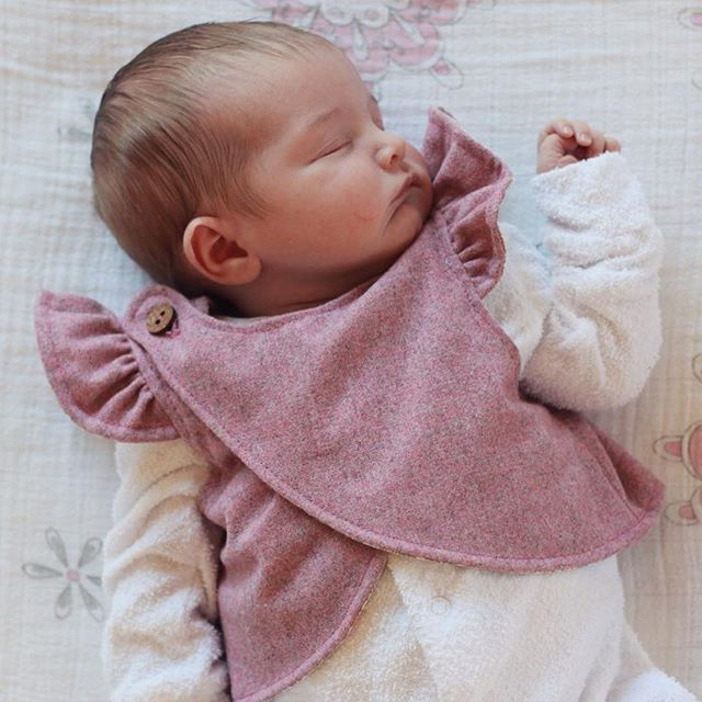 Did you know there is also a brand new, FREE Crossroads front for the Baby Pathfinder? You can find it on our website - link in profile.  So nice if you want an extra layer of warmth over their chest