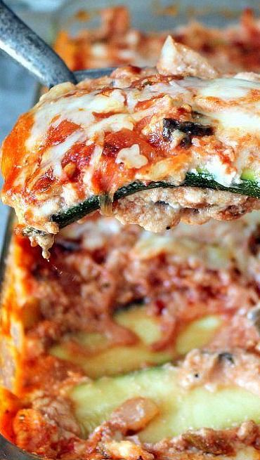 Low Carb Zucchini Lasagna with Spicy Turkey Meat Sauce #recipe #lowcarb