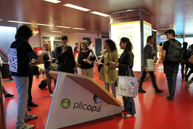 Plicopá in action at Salone del Mobile (RHO Fiera) http://igg.me/at/plicopa