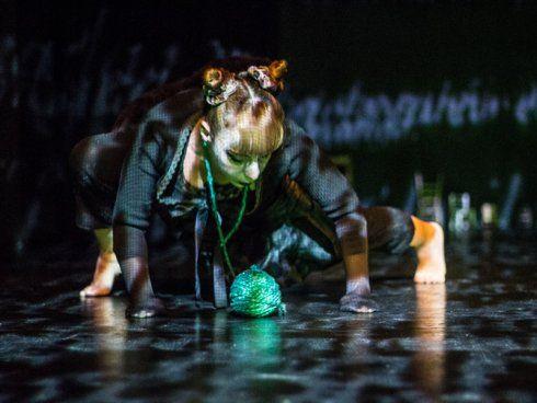 Danza, teatro y multimedia en Las Bernardas de Teresa Duggan