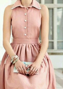 Although this is NOT something I'd wear, I really love the sleeves and collar!!!