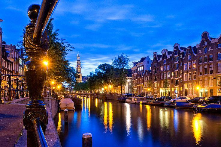 ¿Por qué son inclinadas las casas en Amsterdam?, ¿qué significan las tres equis de su escudo?...entra y descúbrelo.
