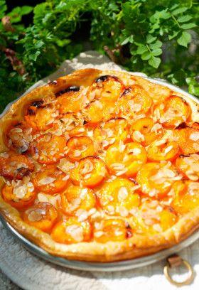 Абрикосовый пирог с миндалем из кондитерской «Тарт Тропезьен»