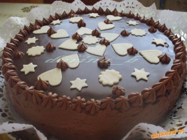 Konečne som sa dostala k upečeniu tejto úžasnej čokoládovej tortičky, recept mám zo svojho starého z...