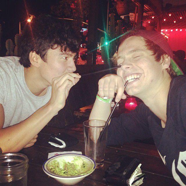 Michael: Miłość jest ślepa Luke: Sam jesteś ślepy  Michael: Hej, tylk… #fanfiction # Fanfiction # amreading # books # wattpad