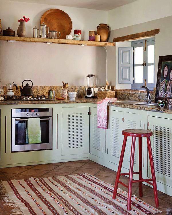 Η κουζίνα σε ρουστικ ύφος στο χρωμα της μεντας
