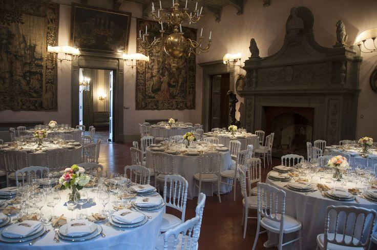 White and silver table arrangements, Italian classical style inside Villa di Maiano Florence. All Rights Reserved GUIDI LENCI www.guidilenci.com