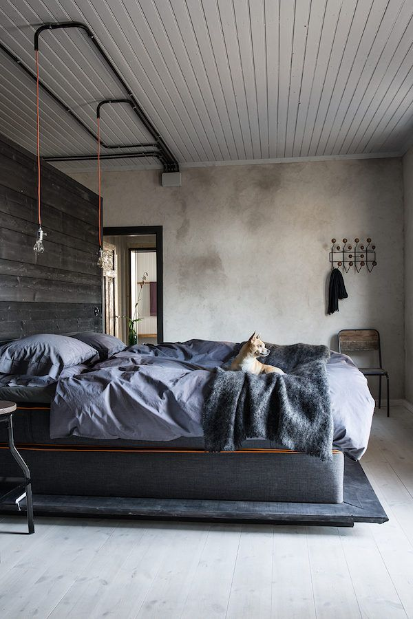 A vintage industrial home in a former goldsmith's workshop. Johan Sellen / Tina Hellberg. Elle Decoration.