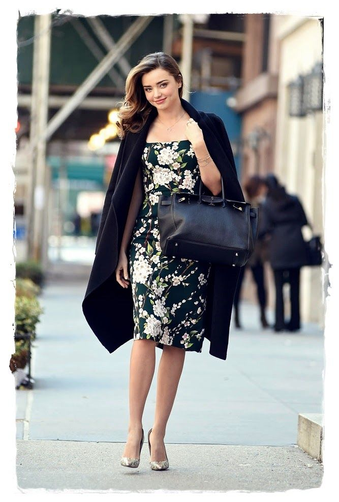 #Miranda #Kerr s pretty well practised at pulling off effortlessly cool street style, but this look is pure spring elegance. The 30-year-old stunner was spotted out in New York on Wednesday working a tidy floral print ensemble with metallic Louboutins.