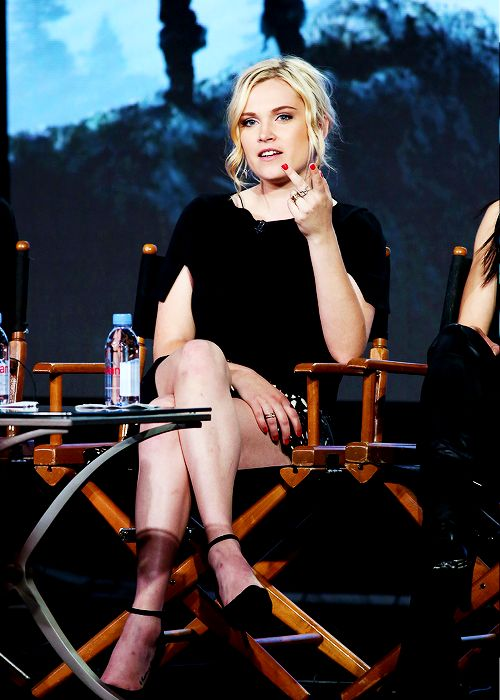 I first thought she was flipping someone but no. Eliza is bae :)