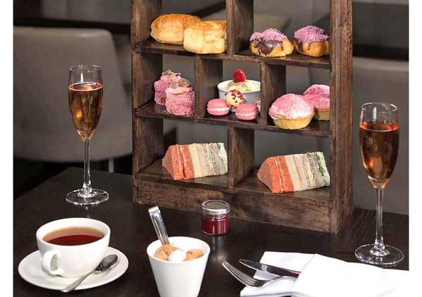 Doubletree by Hilton Westminster Afternoon Tea with Pink Champagne, £29 - Save 52% https://twitter.com/LondonOffers_/status/626830195354398721