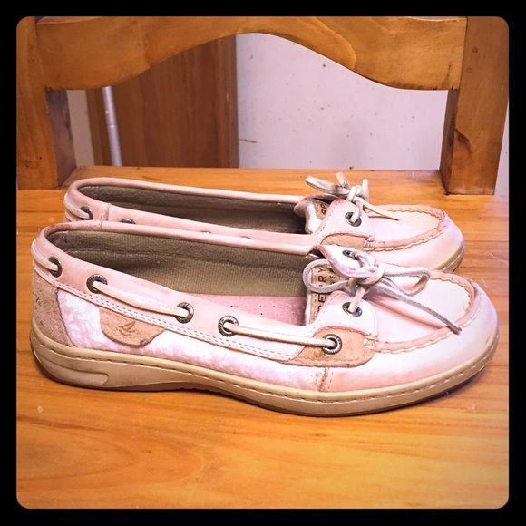 Light Pink Sperry Top-Sider Boat Shoes Pale pink Sperry's! Slightly worn but still in great shape! Women's 5.5! Also selling in blue! Sperry Shoes Flats & Loafers