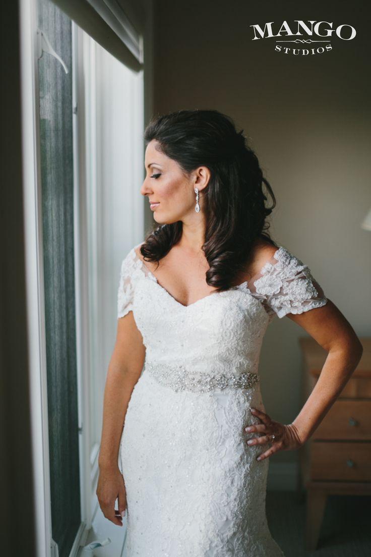 #hair #loose #curls #darkhair #weddingideas #bride #weddingday #wedding #photography #pretty #happy #mangostudios Photography by Mango Studios