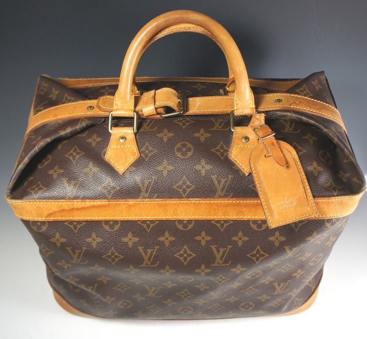 louis vuitton overnight bag. superb like new louis vuitton overnight travel bag, cruiser 40 duffle weekend tag \u0026 strap included. bag