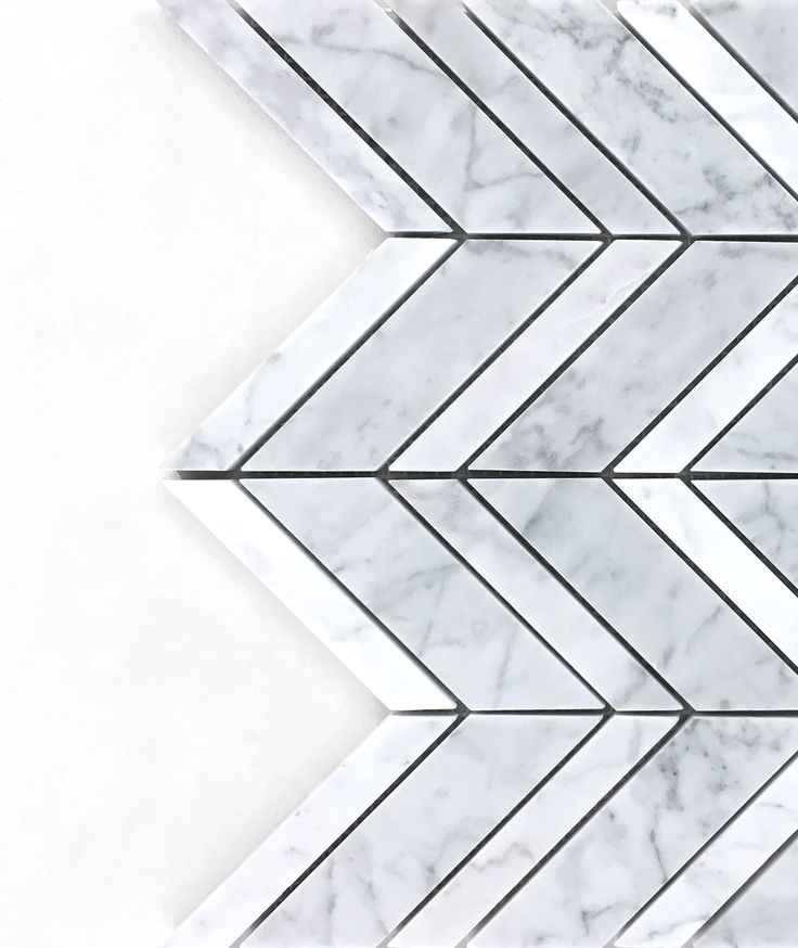 Carrara Chevron with Carrara Strips✨ A great combo of style and elegance!  #minimalist #luxury #italian #carrara #mosaics #tiles #remodeling #ideas #interior #design #houzz #kitchen #bathroom #foyer #marble #white #natural #stone #home #decor