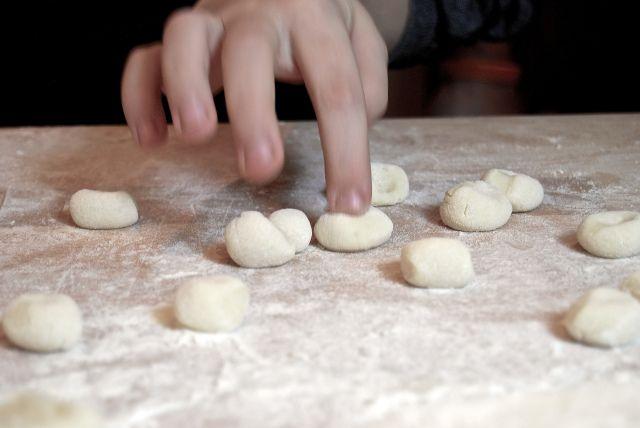 Gnocchi.  http://duespaghetti.com/2013/11/30/gnocchi-al-sugo-di-faggiano/