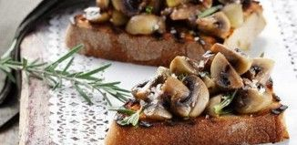 Συνταγή της ημέρας: Μπρουσκέτες με σκορδάτα μανιτάρια