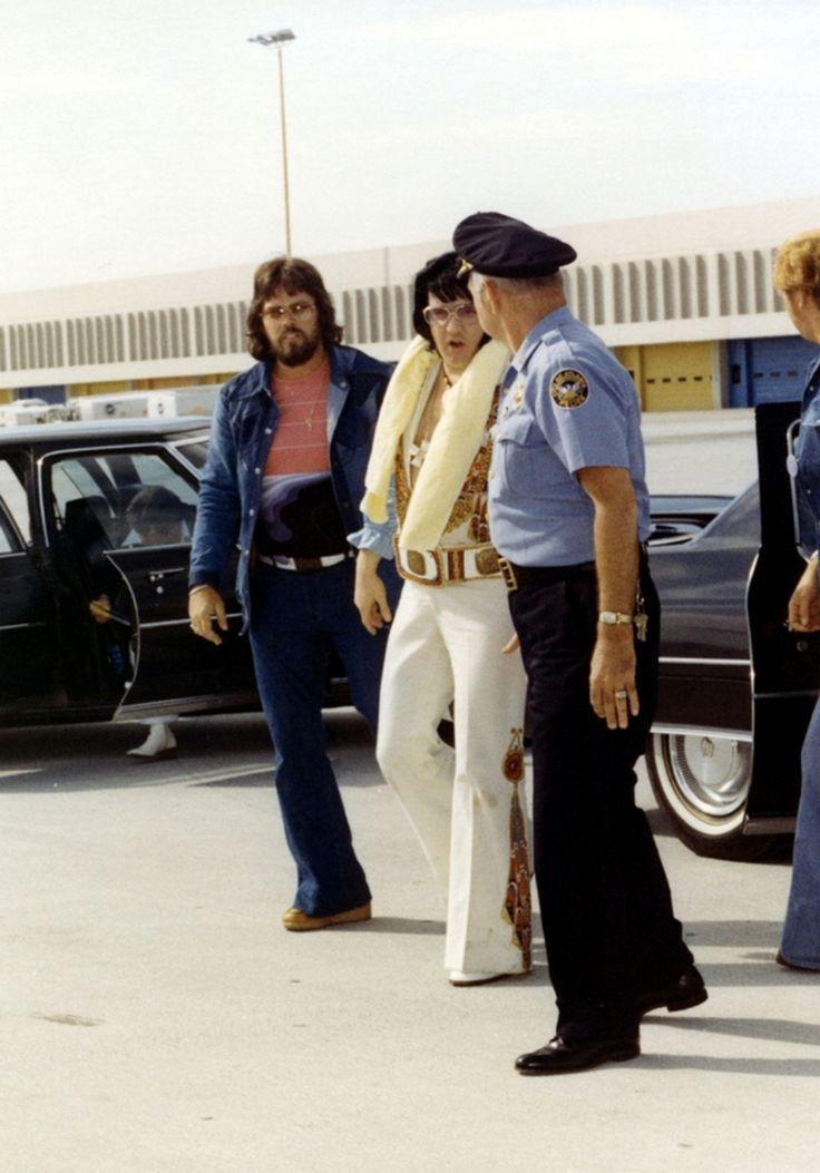 Elvis leaving Atlanta after his june 6 1976 concert