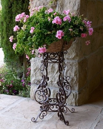 "~~~I have a ""roadsidea""  plant stand similar to this. I love shoppin' the curb!  SVM"