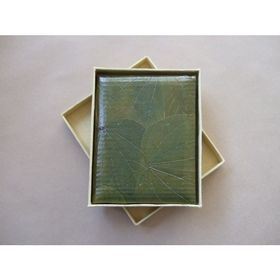 Handcrafted Notebook Medium Leaf available at www.threemadfish.com  For something a little unique, why not have a look at this Green Leaf Notebook. The cover features Bauhinia Leaf and Bamboo Pulp Paper.