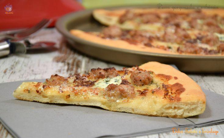 """Pizza con impasto indiretto, """"lievitino"""". Anche se è domenica , questa sera a cena prepareremo la pizza, morbida, leggera, soffice e digeribilissima perché"""