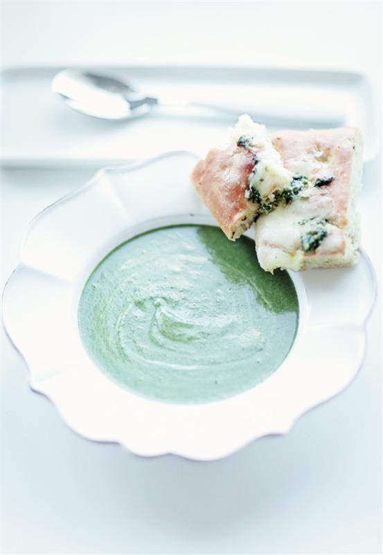 Супы с брокколи Брокколи суп со шпинатом и сыром маскарпонеСупы с брокколиБрокколи суп с яйцом-пашот и трюфельным масломКрем-суп с брокколи и сыром горгонзолаБрокколи суп...