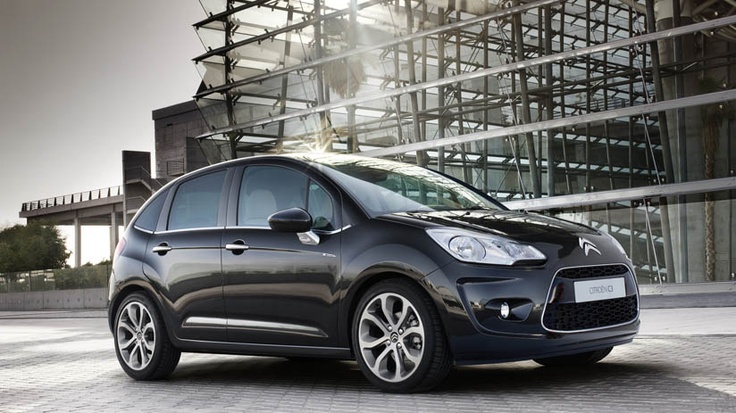 Citroën C3's bold exterior is taut, elegant and refined. Forget fussy details and over-complicated design.  C3 is all about clean, fluid lines and a sense of easy confidence. With the space of a saloon car yet the compactness of a city car; Citroën C3 is one clever drive.