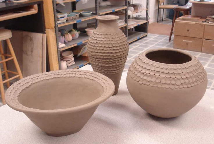 I am working with clay and really like it but mine doesn't look like this.  Beautiful - Tutorial...making beautiful coil pots.ceramics