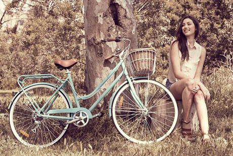 17 meilleures id es propos de bicicleta paseo sur pinterest v lo cruiser illustration de. Black Bedroom Furniture Sets. Home Design Ideas