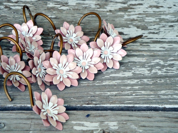 Boucle d'oreille florale