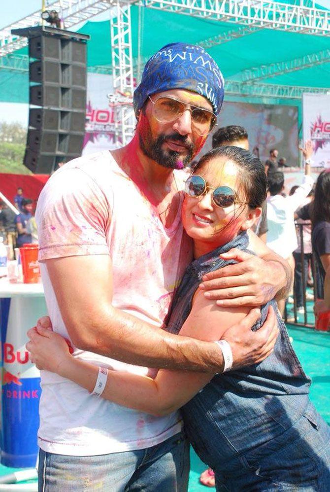 Jay Bhanushali with wife Mahhi Vij celebrate Holi. #Bollywood #Fashion #Style #Beauty #Holi