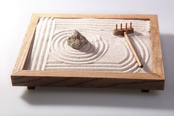 how to make a zen sand garden, plus more crafts to reduce stress levels