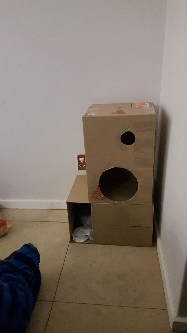 Cat Apartment.... boxes transformed into cat bed / nest / hideaway