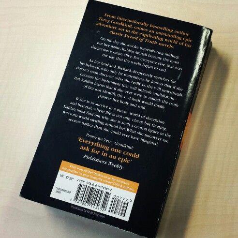 Synchroonkijken 2014 dag5 'achterkant' - Na een foto van de binnenkant van het boek dat ik las op dag 2 en van de voorkant op dag 3 vandaag een foto van de achterkant van het boek dat ik nu lees... #synchroonkijken #phantom #terrygoodkind #swordoftruth
