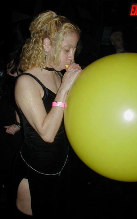 balloon fetish women
