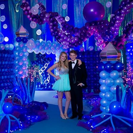 Deep Sea Dreams Complete Theme – Cast off into uncharted waters for a nautical Prom night party under the sea.  Shop our Prom Store for Prom Ideas and Prom Supplies today!