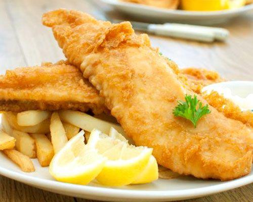 pescado frito y crujiente al limón