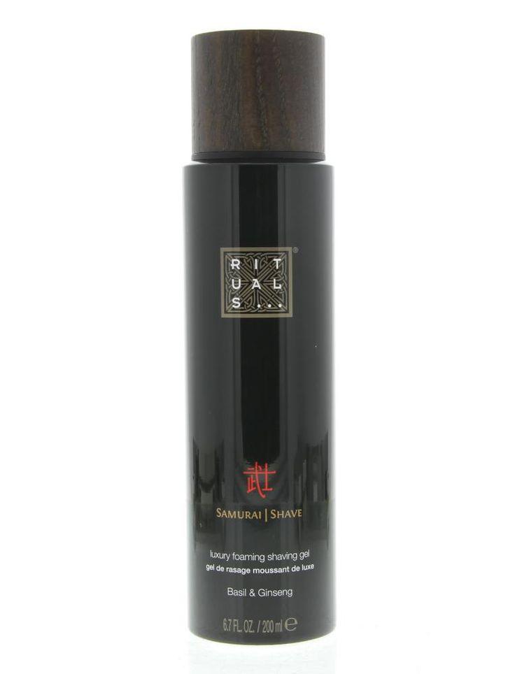 Rituals Samurai Shave Luxury Foaming Shaving Gel Scheergel Basil & Ginseng 200ml  Rituals The Ritual of Samurai Shave Luxury Foaming Shaving Gel. Deze scheergel verandert direct in een rijkelijk schuim en is verrijkt met basilicum en ginseng wat de huid verzorgt en zorgt voor een perfect scheerresultaat. Maakt de baardharen zacht en geeft de huid een extreme gladheid waardoor het scheren makkelijk verloopt. Gebruik: Aanbrengen op de vochtige huid en masseer in tot een volle schuimige laag…