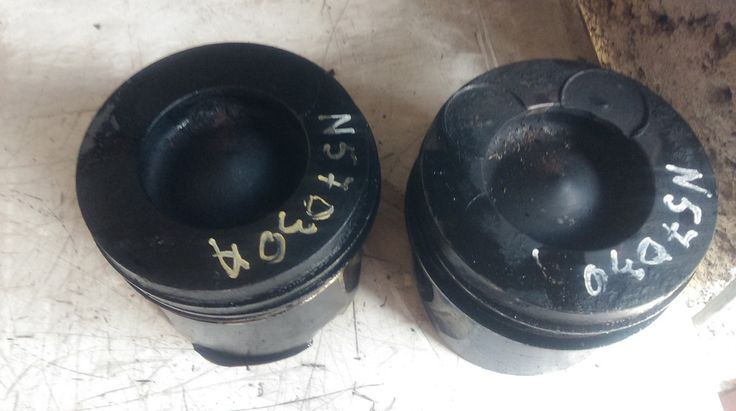 2010 BMW 330 d 3.0 diesel N57D30A engine piston pistons ref A0471