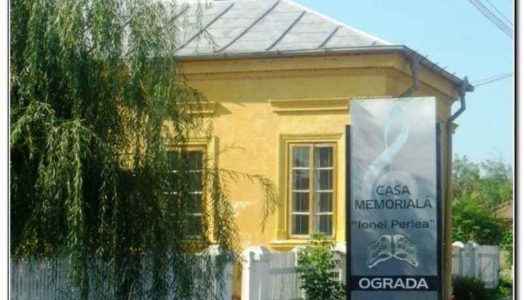 """Casa Memoriala Ionel Perlea a fost înfiinţată în anul 1983, funcţIonelând pe lângă Muzeul Judetean Ialomita şi inclusă pe lista monumentelor istorice din 1991-1992 a Comisiei NaţIonelale a Monumentelor, Ansamblurilor şi Siturilor Istorice. In urma unei hotărâri a Consiliului Judeţean Ialomiţa, din anul 2001 a trecut în administrarea Centrului Cultural UNESCO """"Ionel Perlea"""" din Slobozia."""
