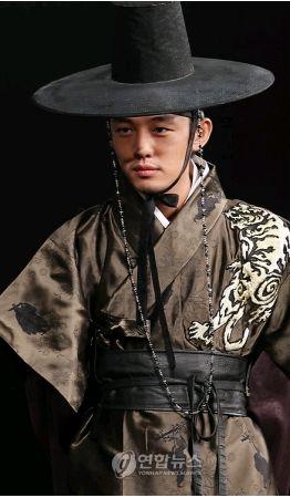 『成均館スキャンダル』で人気沸騰、ユ・アイン−韓国俳優、韓国女優