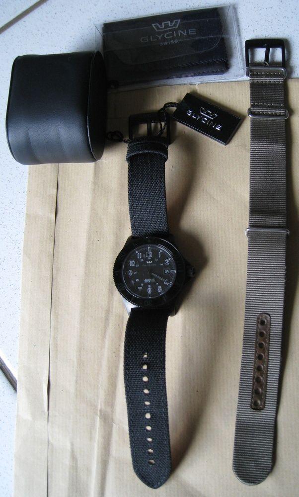 Coin des Affaires - Glycine Combat Sub Stealth sur bracelet Goldeneye